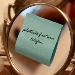 Transformă-ți oglinda din baie în avizier