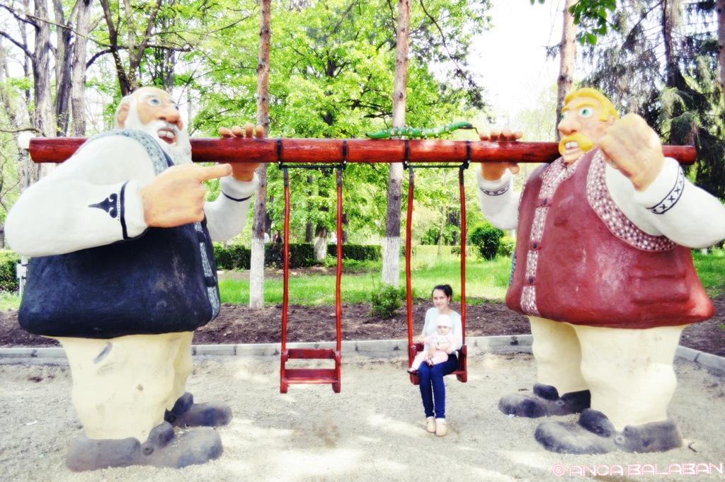 plimbare parcul uriasilor municipiul onesti (2)