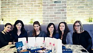 poza de grup bloggerite march women blogmeet bacauedit