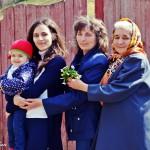 Tablou de familie II: 4 generații într-o fotografie