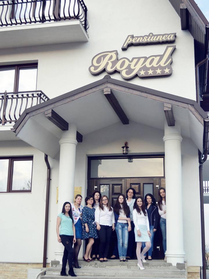poza de grup pensiunea royal aniversarea blogului anca balaban